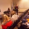 Evelise Ruppel explicou aos estudantes sobre a parte financeira.
