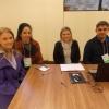 CDs voluntários nas mesas de votação em Curitiba