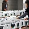 TRE do Paraná já prepara as urnas para a eleição do próximo mês.