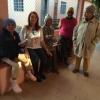 Dra. Gilce Czlusniak Costa, representando a Regional do CRO/PR em Ponta Grossa, faz a entrega de materiais na Colméia Espírita Cristã Abigail, que abriga aproximadamente 40 idosas