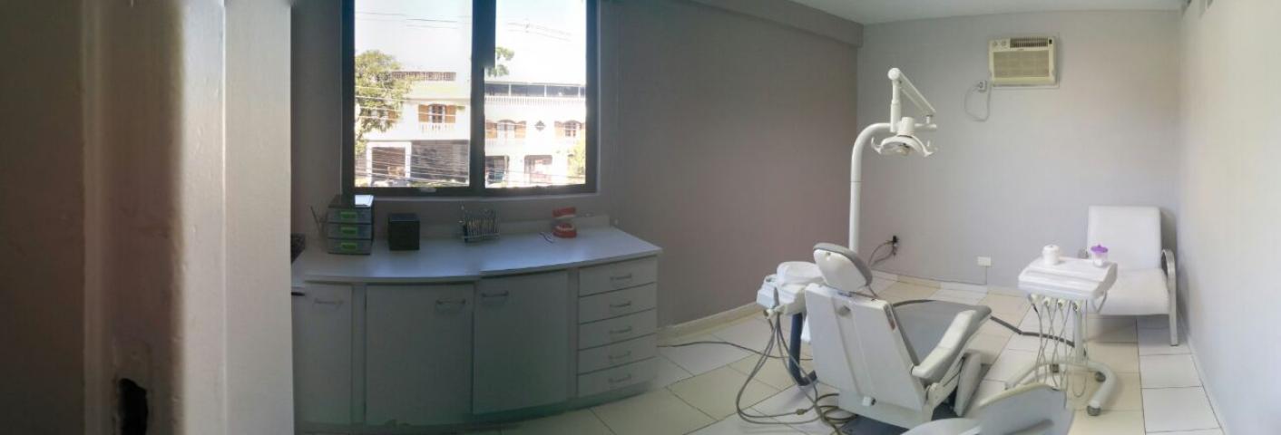 ... odontológico em funcionamento no bairro Água Verde para 3 dias da  semana  segundas afb88304103e2